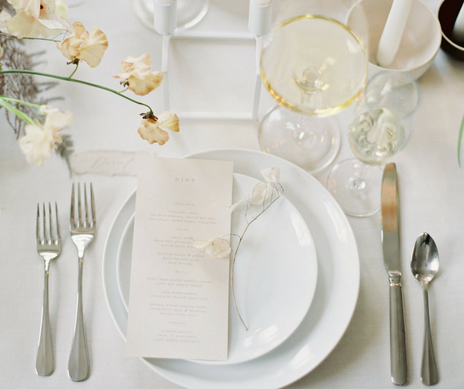 Wedding Tablescape at The Covenant at Murray Mansion in Racine Wisconsin by Jake Anderson Photography